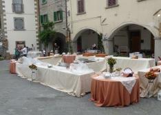 buffet al centro della piazza